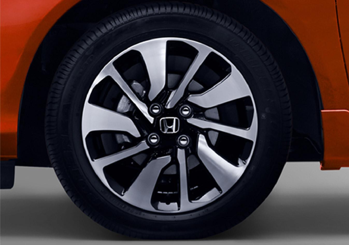 1522-Stylish-Alloy-Wheels