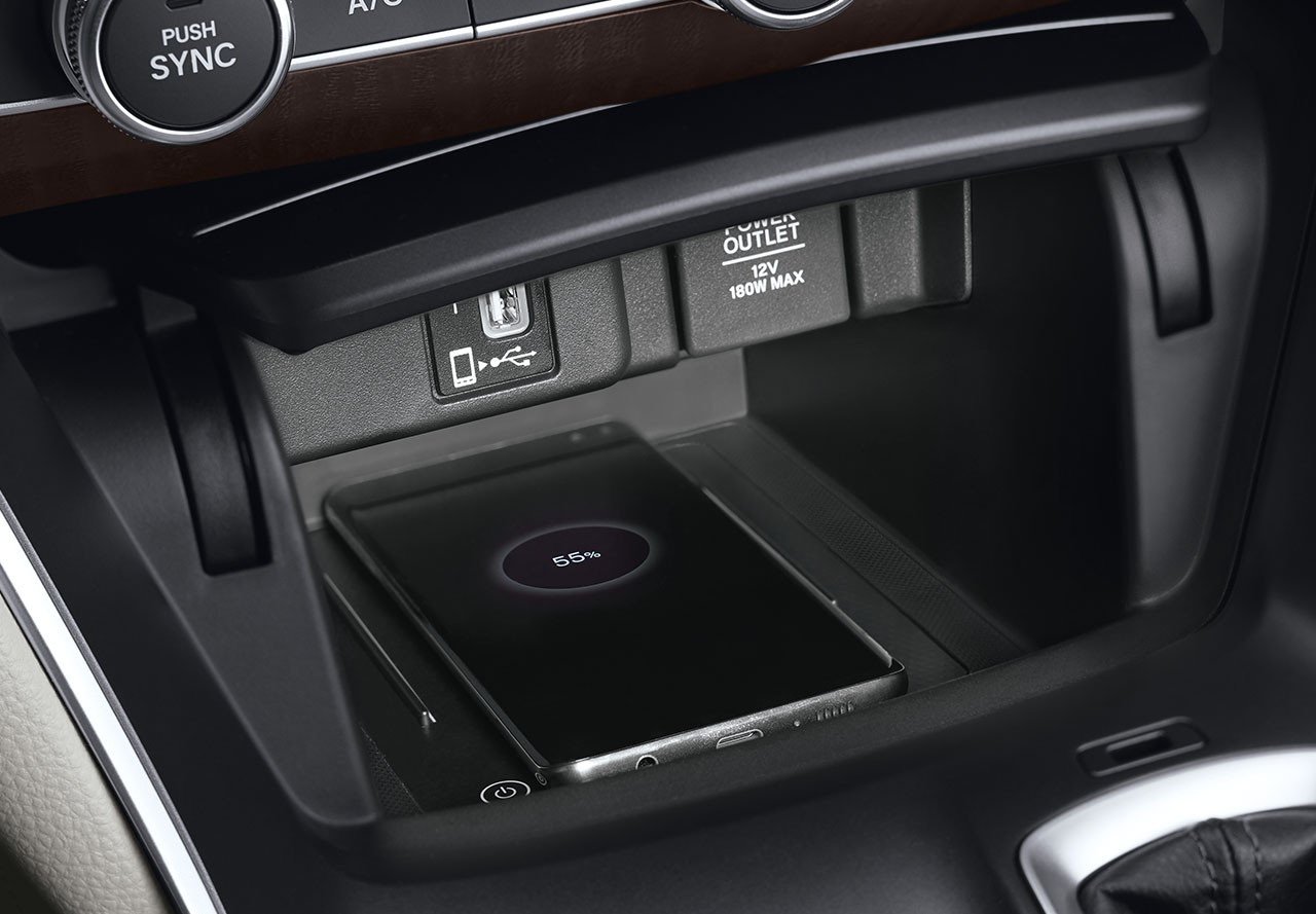 Wireless-Charger-Console-with-USB-Port